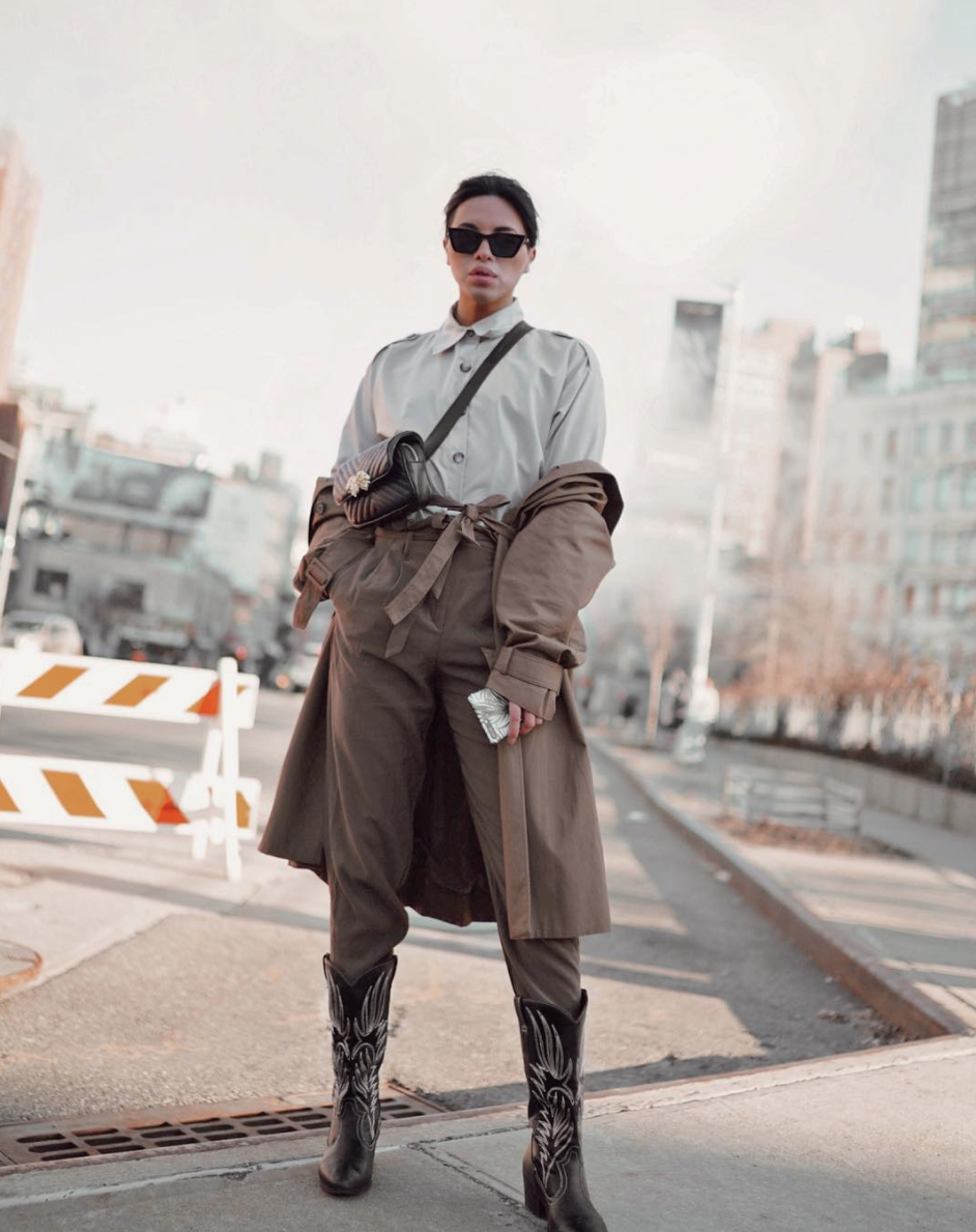 It's also warm enough to try new looks, but you can stay warm by playing with the structure of a look like this. Also, hello cowboy boots! (Image via @theantoniomostajo, Photo by @thesaunakspace)