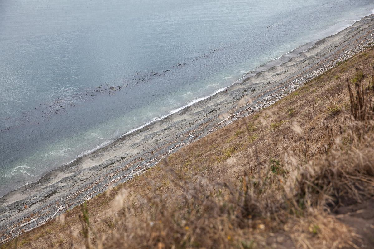 Beach below Ebey's Landing clifftop hike (Image: Paola Thomas / Seattle Refined)