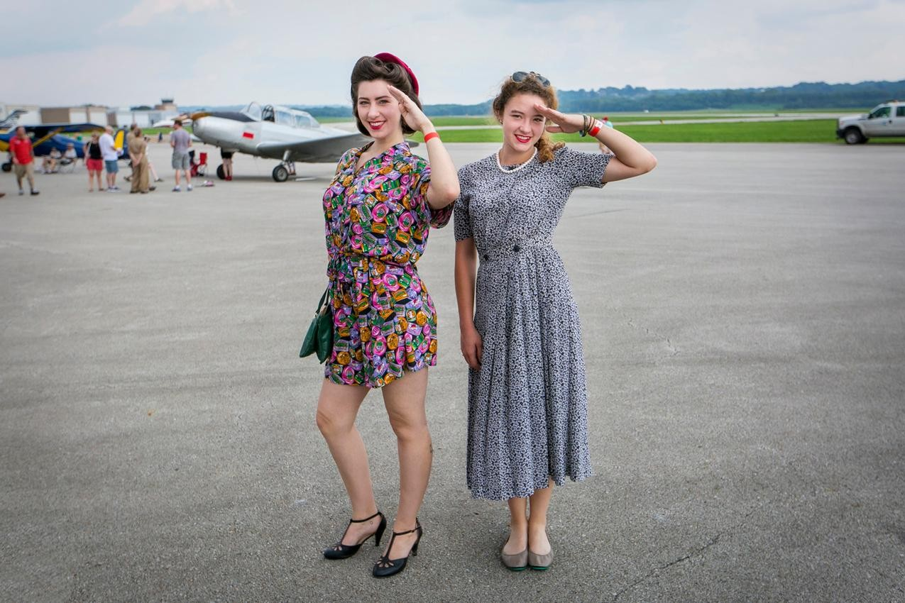 Ruby Bachemin and Raechel Tracy{ }from 1940s Day / Image: Mike Bresnen Photography // Published: 9.2.18