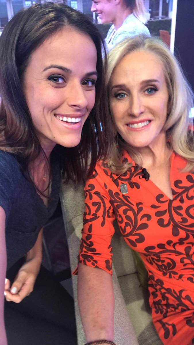 Nicole snaps a photo with Tracy Austin while on the Tennis Channel set.