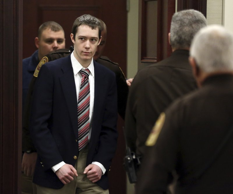 Defendant David Eisenhauer enters Montgomery County Circuit Court in Christiansburg Va., Tuesday, Feb. 6, 2018. Eisenhauer is accused of killing 13-year-old Nicole Madison Lovell on Jan. 27, 2016. (AMatt Gentry /The Roanoke Times via AP, Pool)