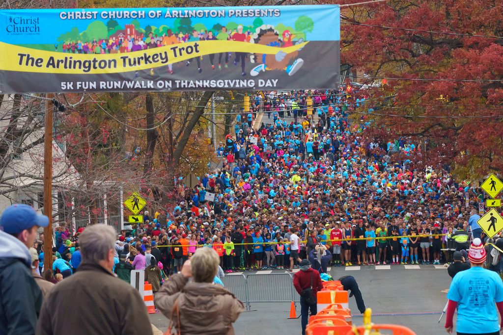 The Arlington Turkey Trot donates proceeds to six local charities, so you're doing some good for your body AND for your community. (Image Mark Riley/ Arlington Turkey Trot)