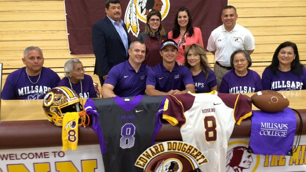 Donna Quarterback Signs With Millsaps College Football