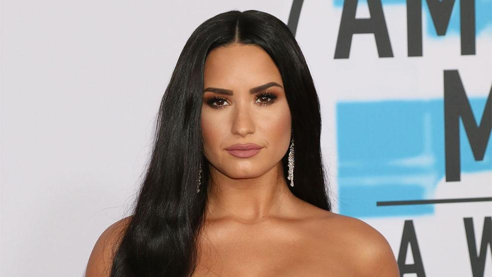 Amazon Employees Reportedly Getting A Free Demi Lovato St Vincent Concert Tonight