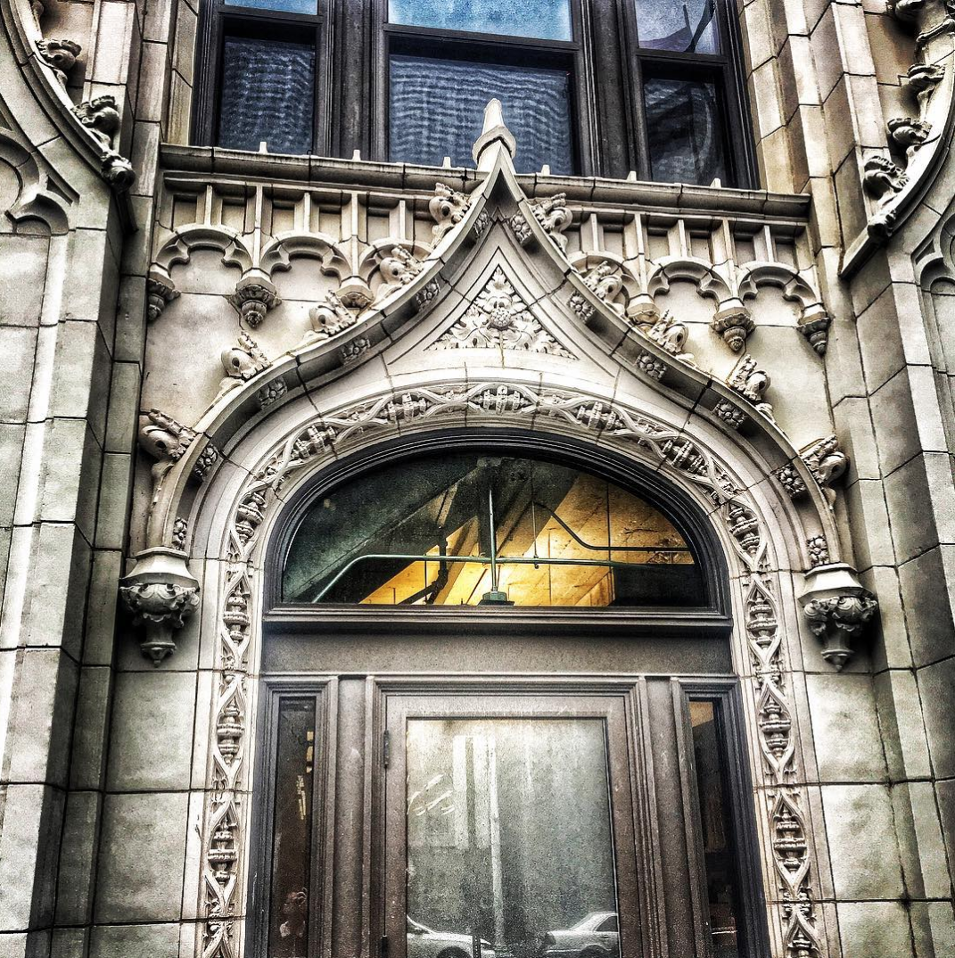 The details on this doorway? Stunning. (Image via @ironwolf2006)