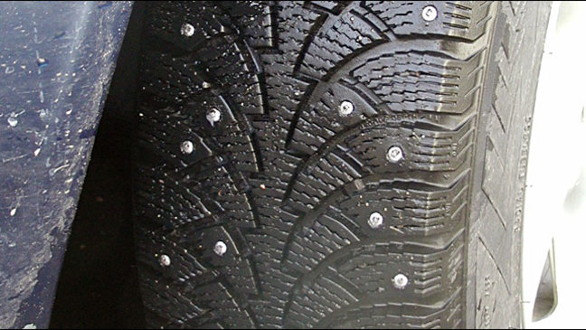 Oregon and Washington extend studded tire removal deadline due to inclement weather