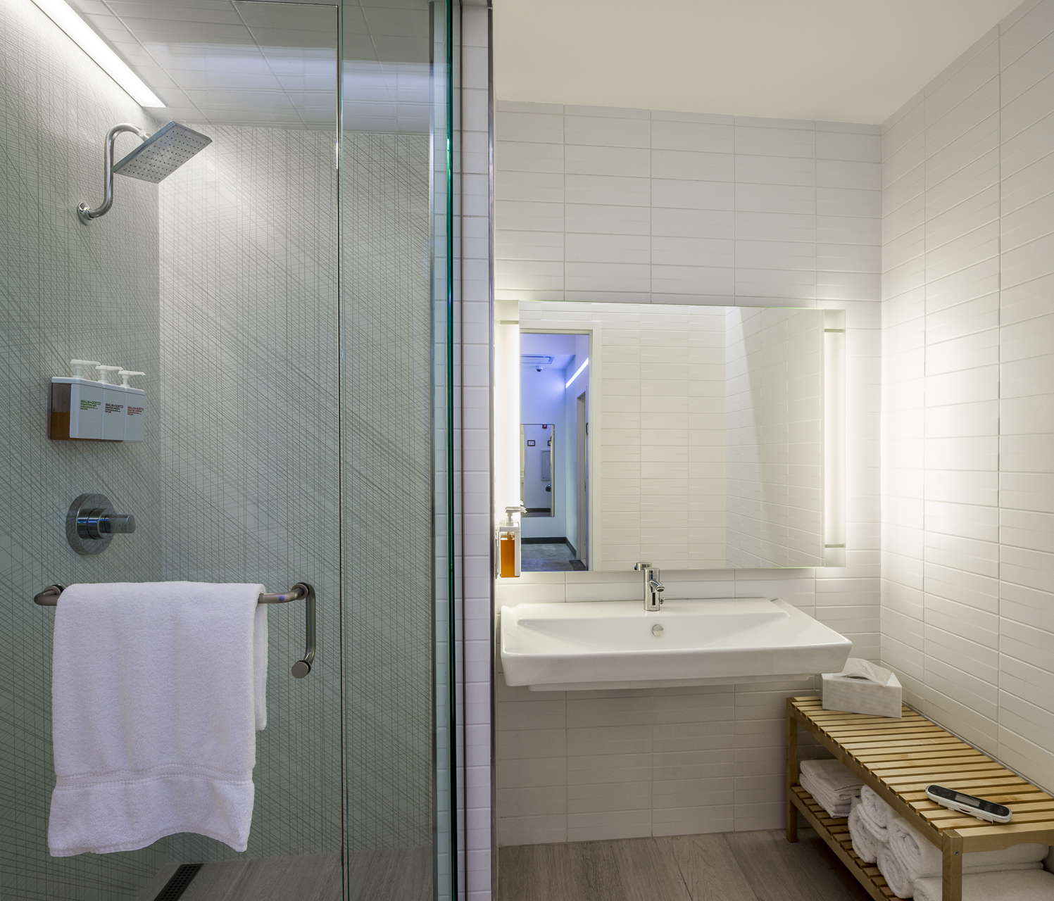 Visitors can reserve a shower in advance to ensure they stick to their travel schedule.{ }(Image: Courtesy RoamFitness)