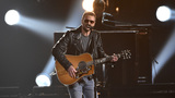 Eric Church breaks down in tribute to Vegas shooting victims