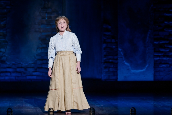 Kendra_Kassebaum_as_Mother_in_Ragtime_at_The_5th_Avenue_Theatre_-_Photo_Credit_Mark_Kitaoka-600x400.jpg
