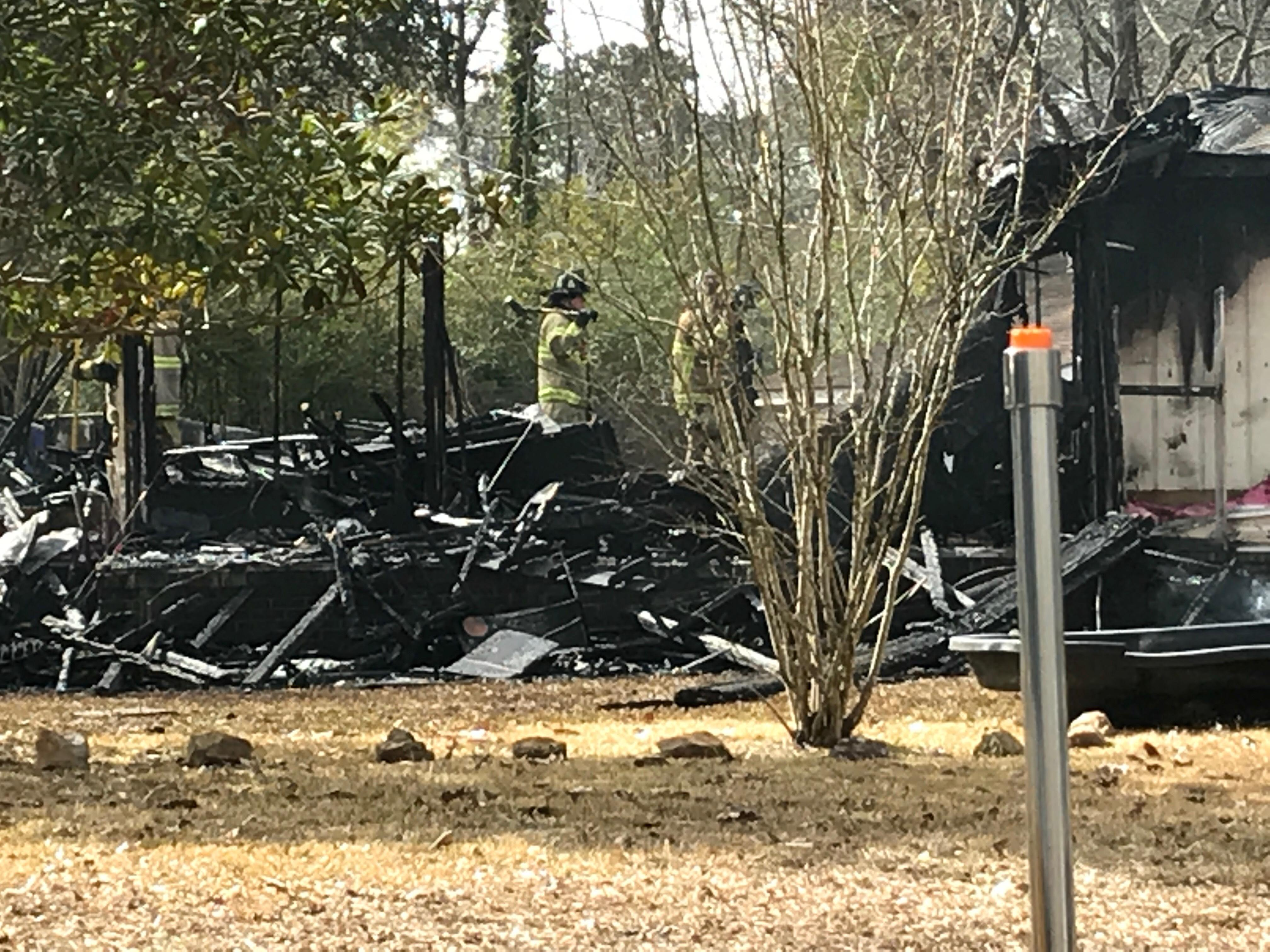 Fire engulfs Ladson home