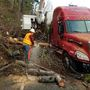 One lane reopens after mudslide closes U.S. 101 at Hoodsport