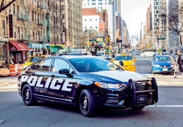 Ford says hybrid police car catches bad guys, saves gas