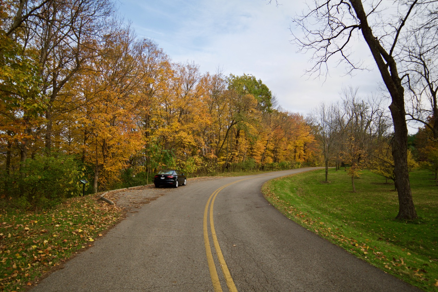 From its charming small towns to its delicious Chillicothe restaurants, Ross County offers everything an intrepid leaf-peeper could want in a fall day trip. The Native American earthworks are a humbling sight too. / Image: Brian Planalp<p></p>