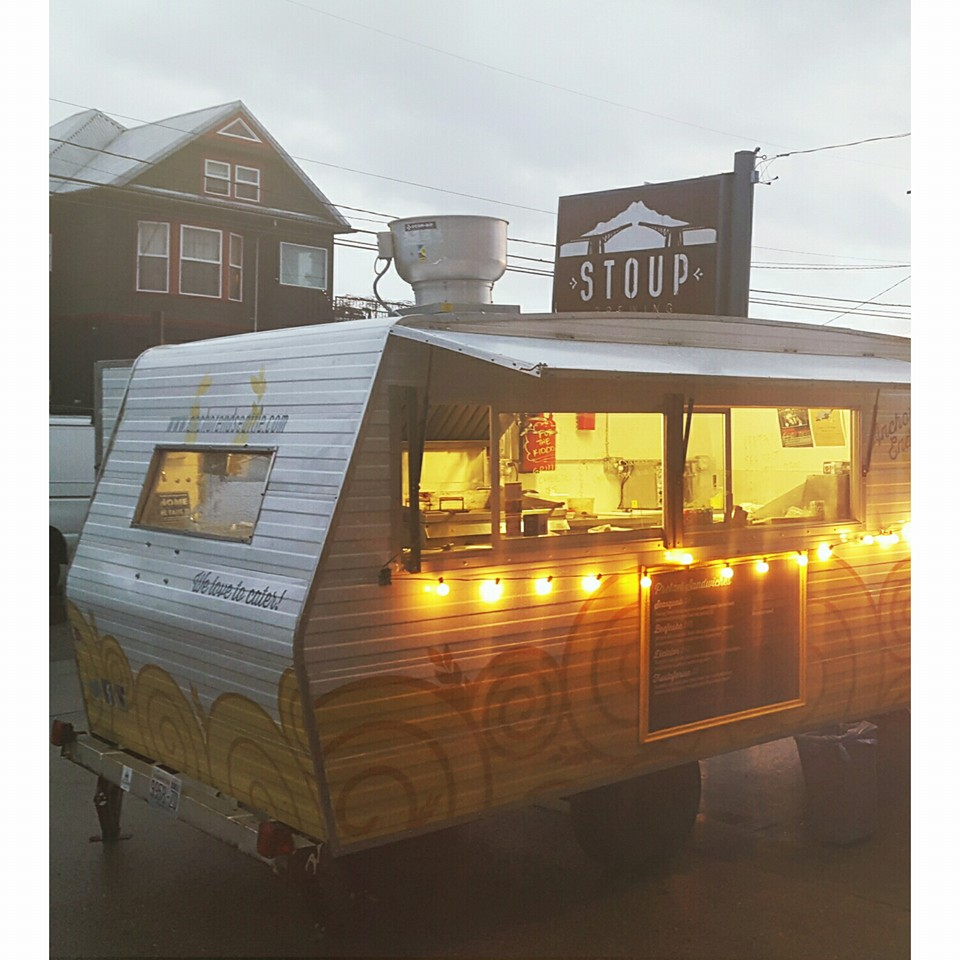 Anchor End Pretzel Shoppe is a food trailer that specializes in sandwiches based on homemade soft pretzels. (Image: Anchor End Facebook Page)