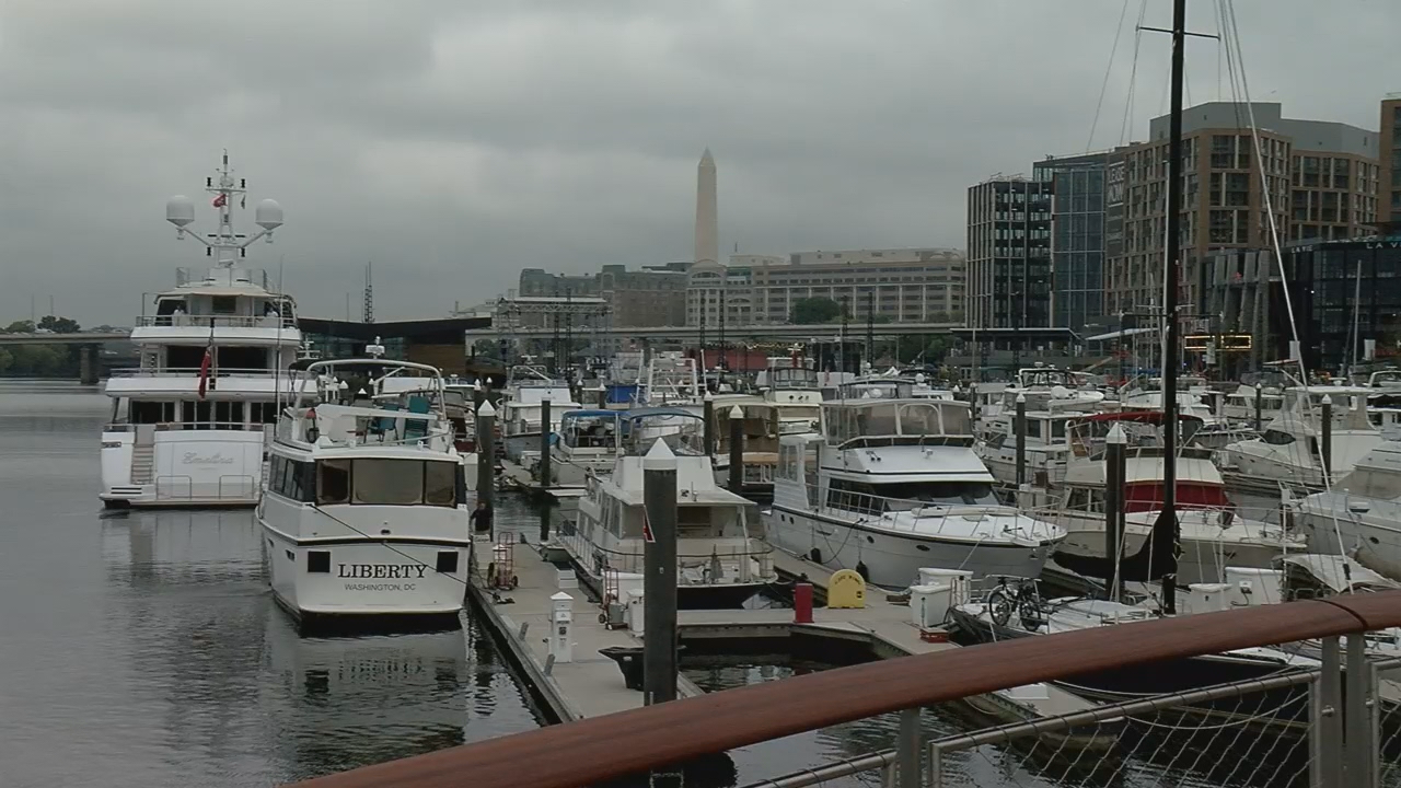 Public gets first look at renovated District Wharf as grand opening kicks off. (ABC7)