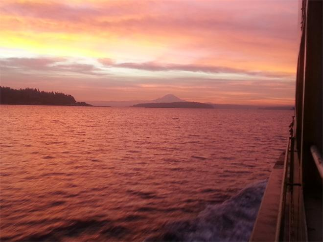 Ferry ride sunrise into Seattle - (Photo: YouNews contributor: ddevergreen)