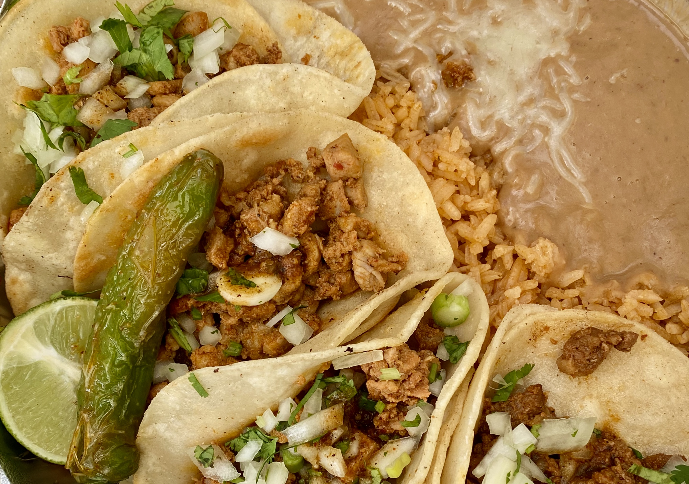 The taco plate. (Image: Karen Rose/Seattle Refined)