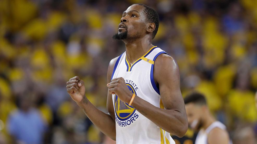 Watch Nba 2k18 Glitch Has Warriors Kevin Durant Celebrating With