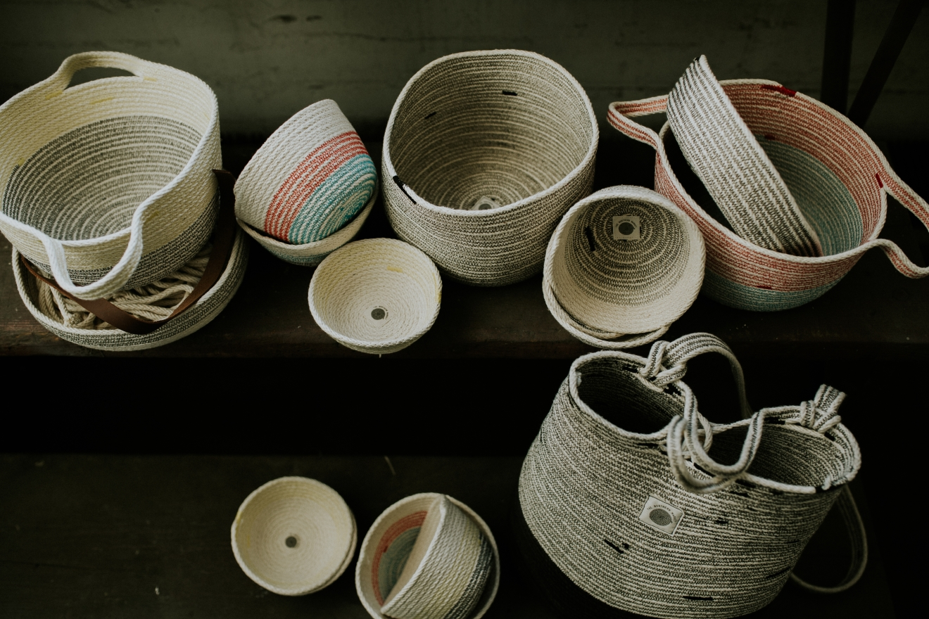 The Northern Market is an Etsy shop that specializes in hand-made home goods and wearable items such as baskets, totes, backpacks, and handbags. Each one is custom-made by the founder, Lindsey Zinno, and touts excellent artistry & quality. / Image courtesy of Hearts & Color Co. // Published: 1.3.17
