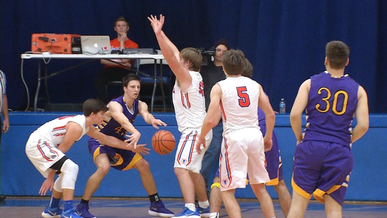 Williamsville rallies late for 59-54 road win at St. Teresa