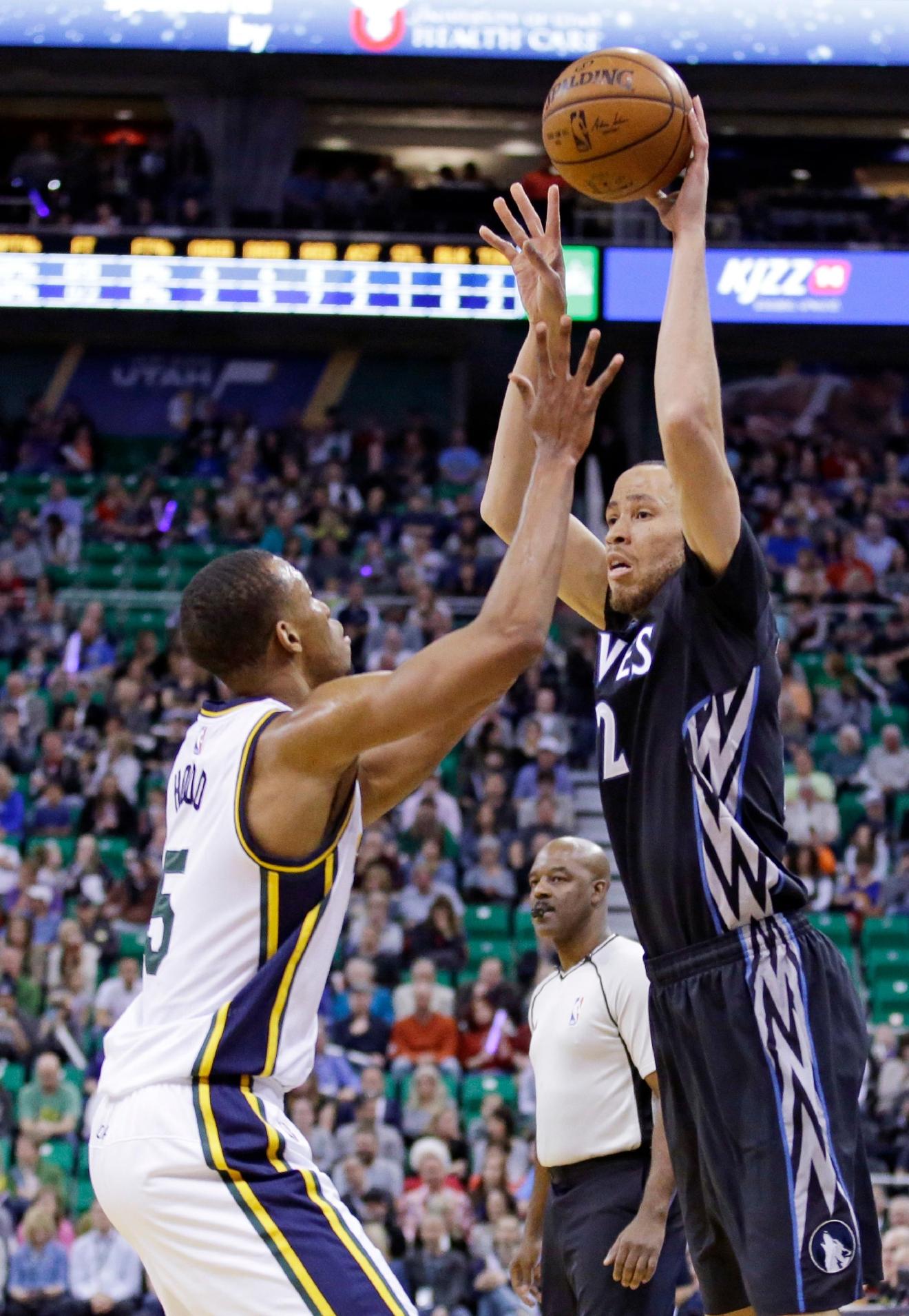 Hayward scores 22 Jazz defeat Timberwolves 98 85
