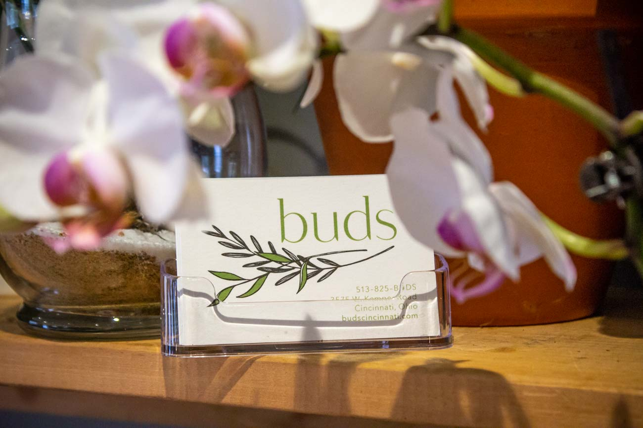 "Deliveries can be made within the 275 loop, and they accept custom orders if you're looking for something in particular. Call (513) 825-BUDS or email them at budscincinnati@gmail.com for floral inquiries. Keep up with their latest offerings and events on{&nbsp;}<a  href=""https://www.instagram.com/budscincinnati/"" target=""_blank"" title=""https://www.instagram.com/budscincinnati/"">Instagram</a>. / Image: Katie Robinson, Cincinnati Refined // Published: 12.5.20"