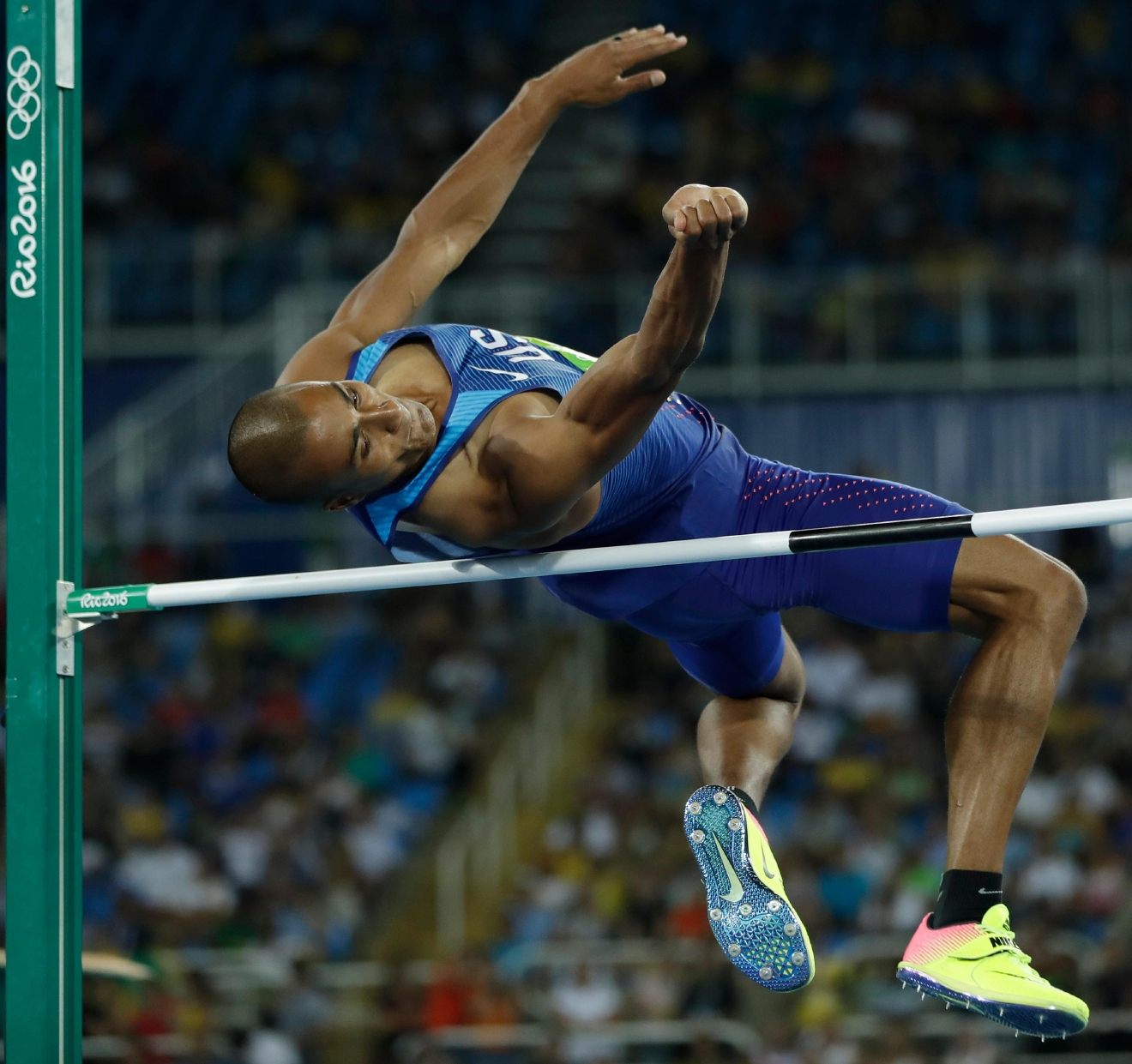 United States' Ashton Eaton makes an attempt in the high jump of the decathlon during the athletics competitions of the 2016 Summer Olympics at the Olympic stadium in Rio de Janeiro, Brazil, Wednesday, Aug. 17, 2016. (AP Photo/Matt Slocum)