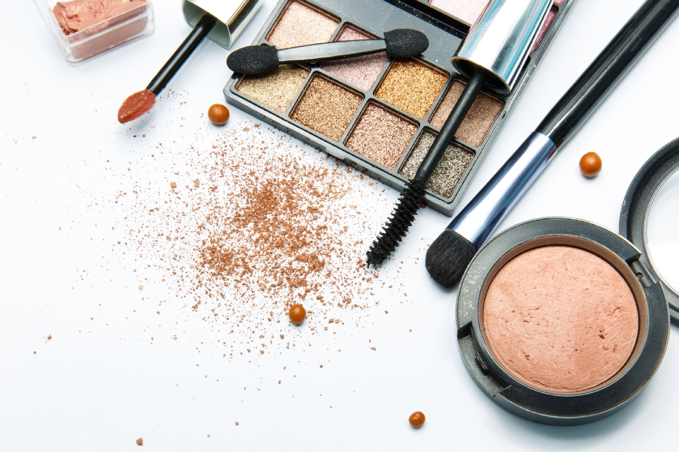 We turned to the pros at Nordstrom – that's Northwest Regional Beauty and Fragrance Director Joelle Russo – for her favorite ways to amp your look up for a big night out. (Image: Thinkstock)