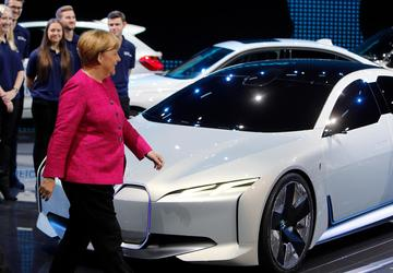 Merkel calls for German automakers to regain consumer trust