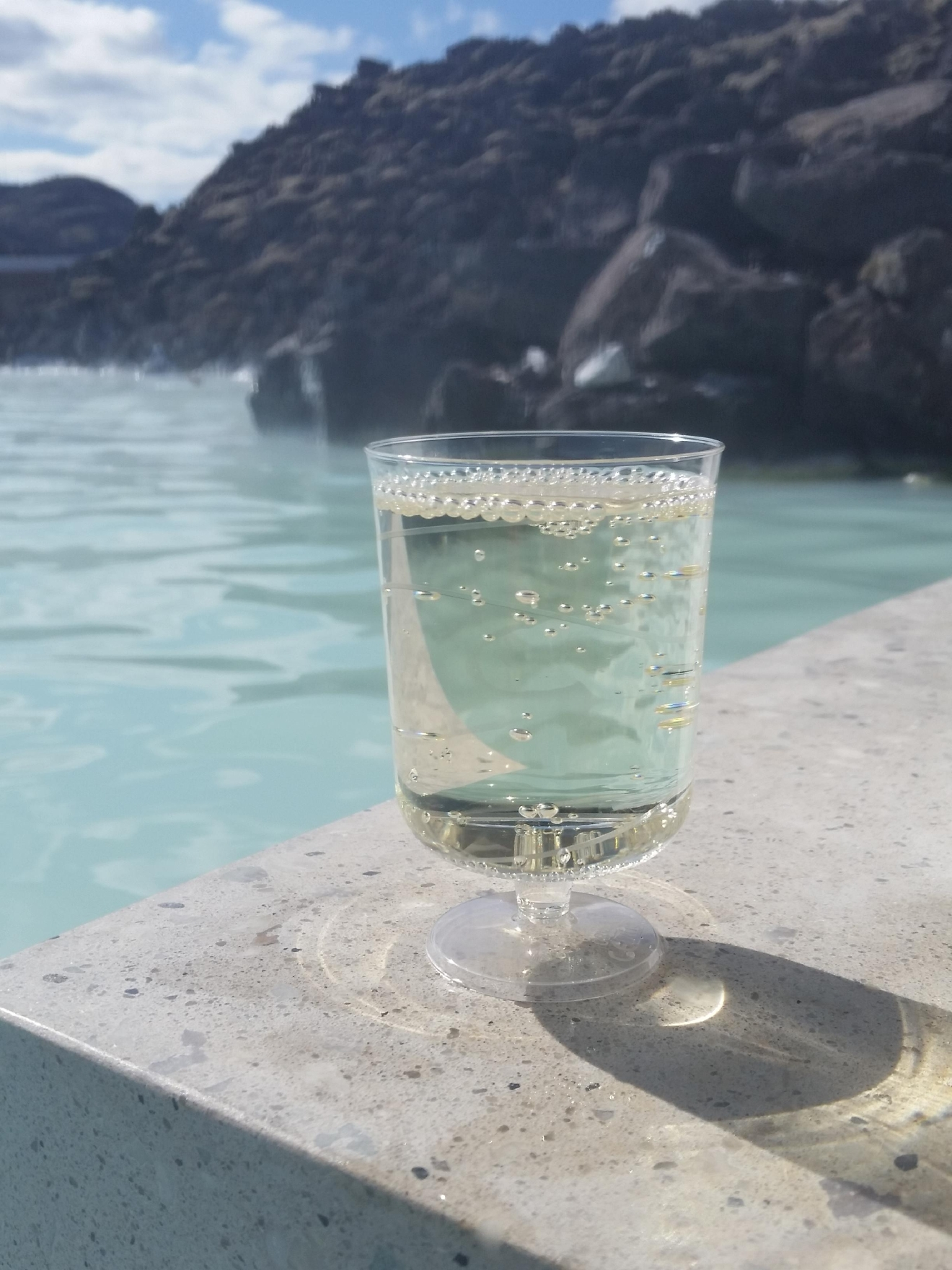 I opted for bubbly from the swim up bar. (Image: Kelly Magyarics)