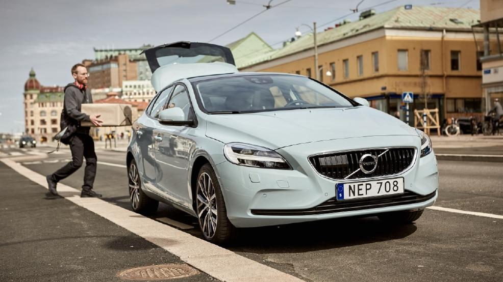 Volvo starts in car delivery service