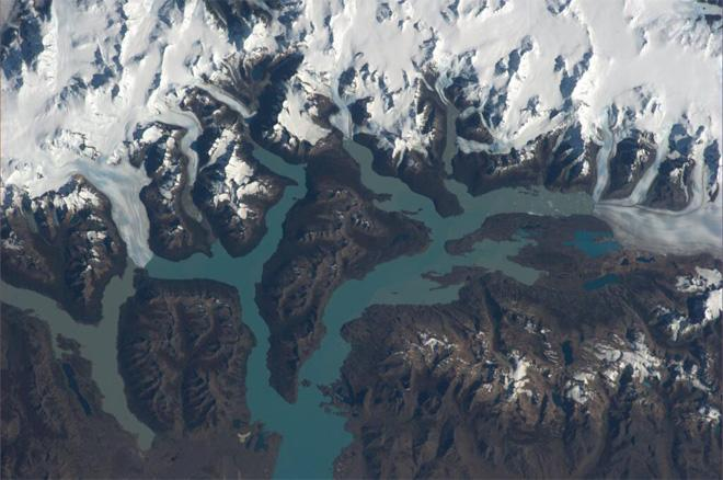 We are enjoying the great view of the Patagonian glaciers over the last several days (Photo & Caption courtesy Koichi Wakata (@Astro_Wakata) and NASA)