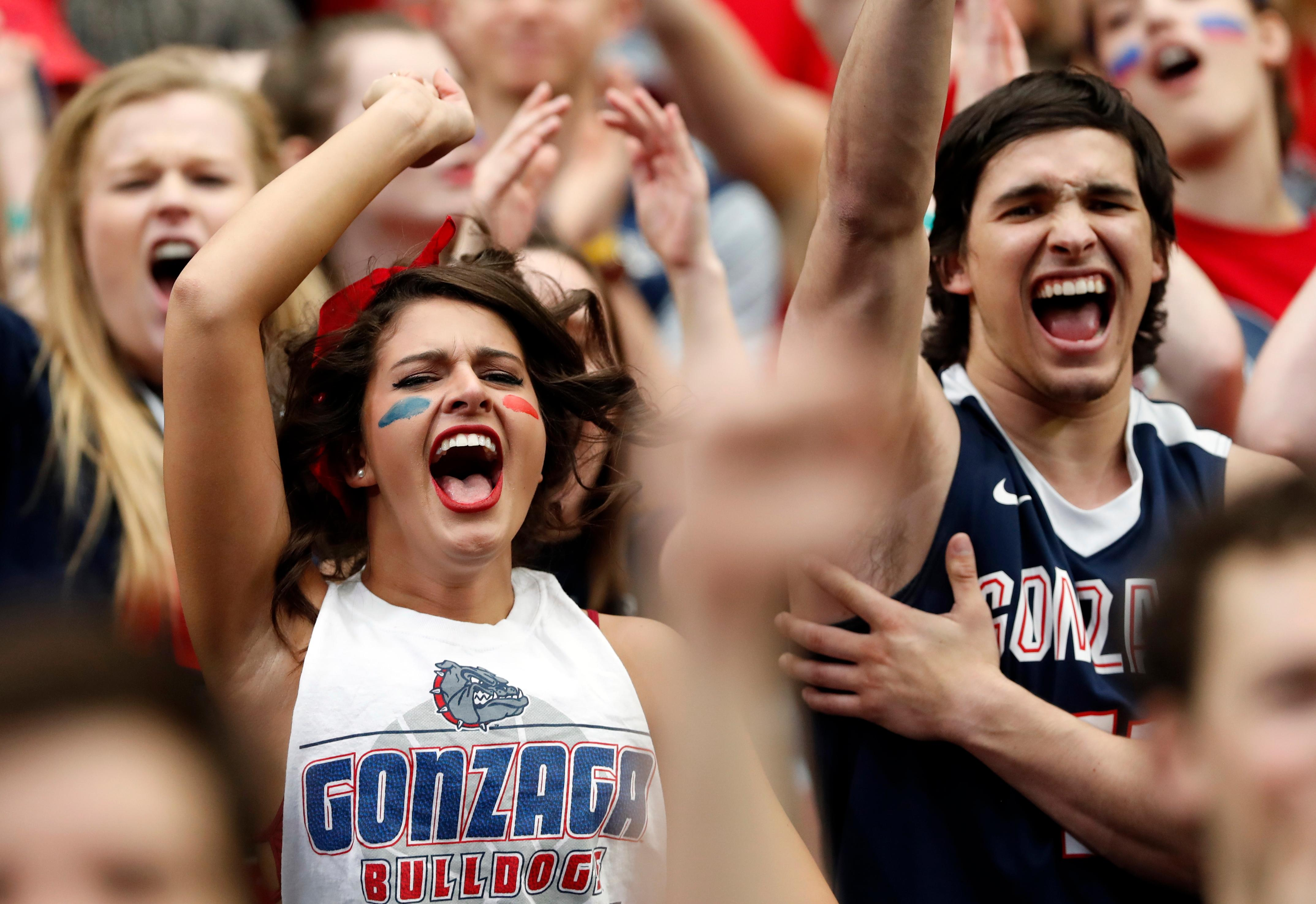 Fans cheer before the semifinals of the Final Four NCAA college basketball tournament between South Carolina and Gonzaga, Saturday, April 1, 2017, in Glendale, Ariz. (AP Photo/Matt York)