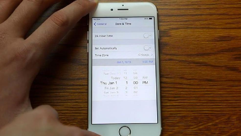 Как в айфоне сделать на фото дату и время на