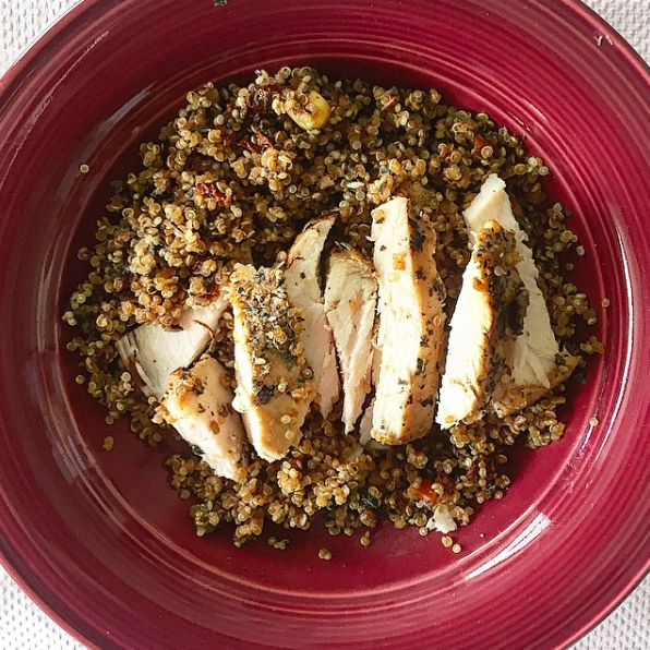 IMAGE: IG user @true_pulse / POST: SIMPLE & EASY DINNER Red pepper chicken marinated and grilled w/ mixed veggie Quinoa
