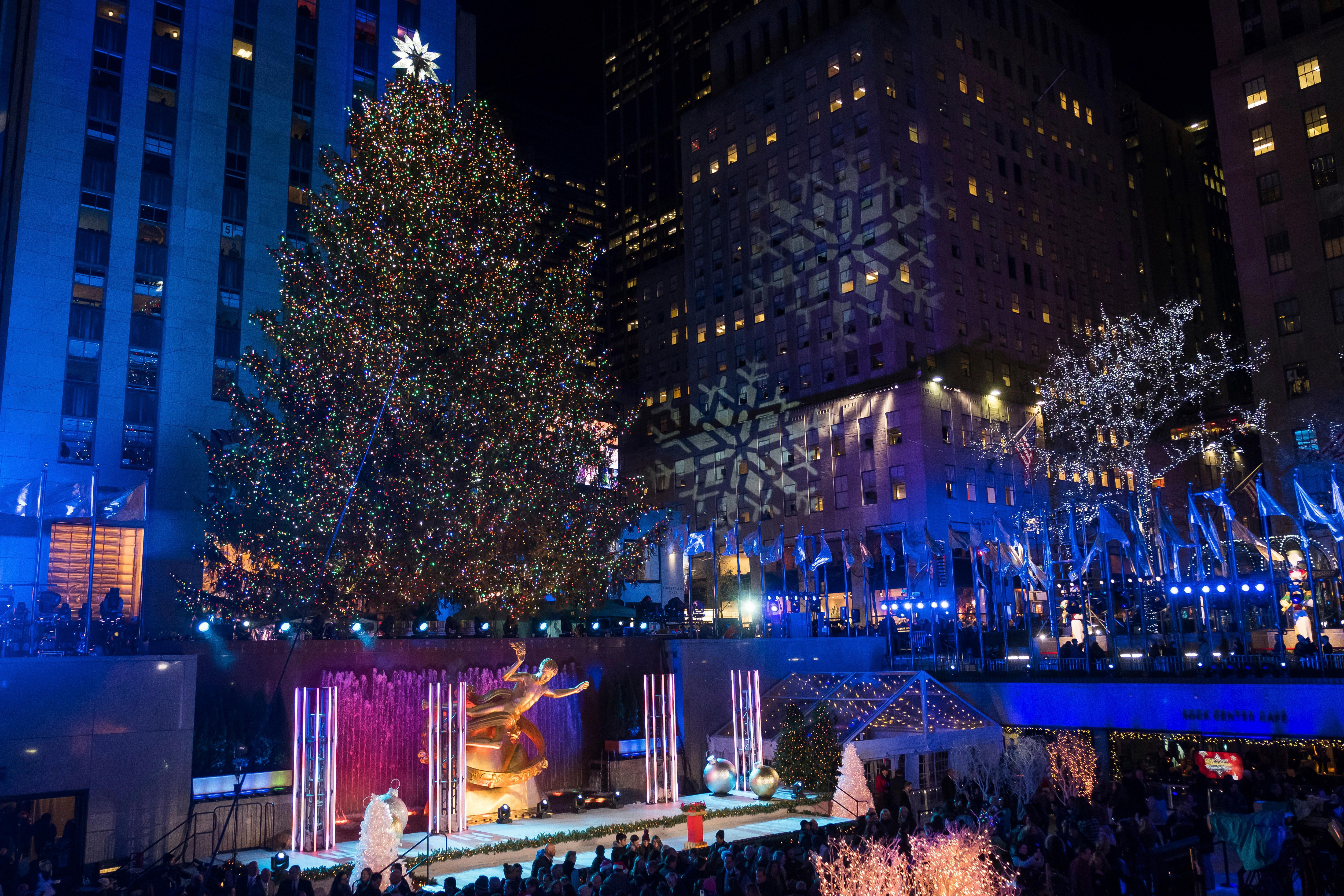 The Rockefeller Center Christmas Tree is lit during the 85th annual Rockefeller Center Christmas Tree lighting & Rockefeller Christmas tree lighting attracts thousands | WJAR azcodes.com