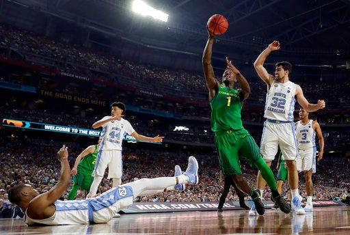 Oregon's Jordan Bell (1) goes up for a shot during the first half in the semifinals of the Final Four NCAA college basketball tournament against North Carolina, Saturday, April 1, 2017, in Glendale, Ariz. (AP Photo/David J. Phillip)