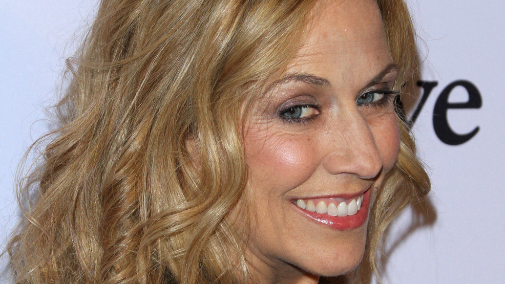 Sheryl Crow writes new song, 'Dude I'm Still Alive,' inspired by tweet