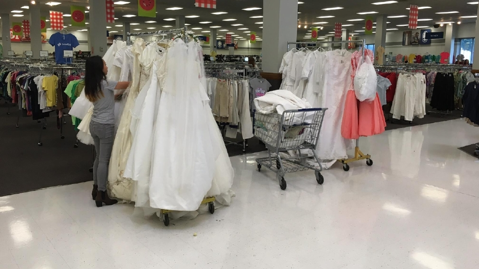 Anonymous donor gives 1,000 new wedding dresses to Provo Deseret ...