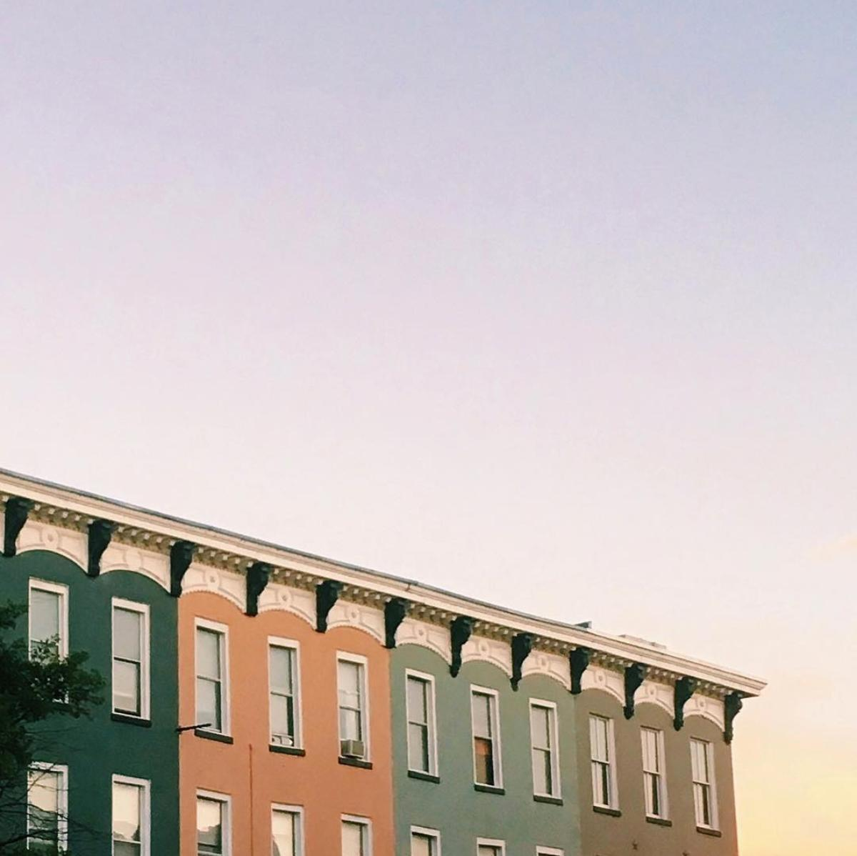 We just can't get enough of the architecture in Logan Circle. (Image via feleanor.parker.photography)<p></p>