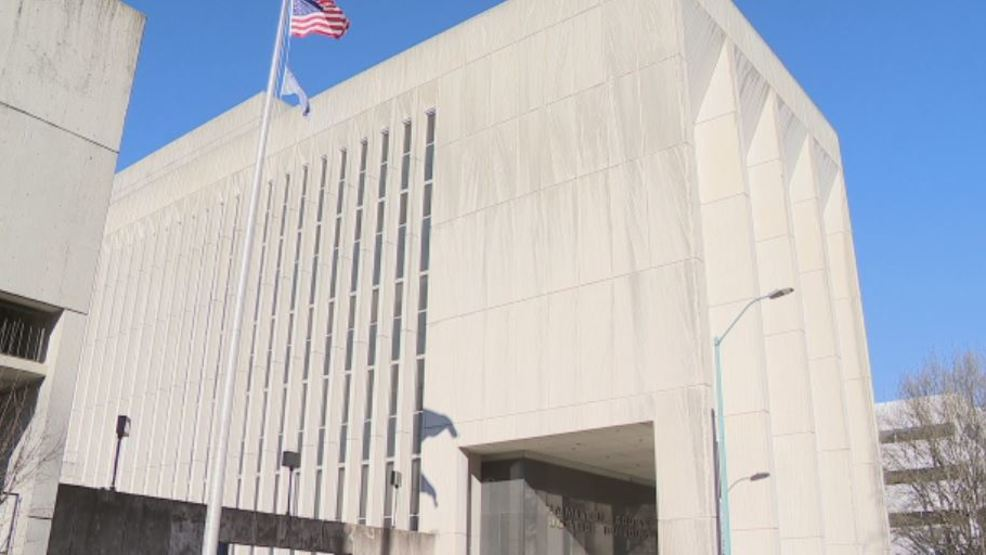 Hamilton County Jail inmate uses a shank on another inmate during