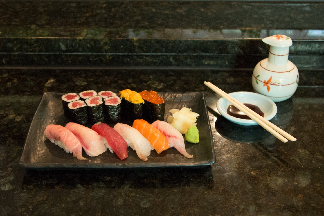 The Sushi Deluxe Chef's Choice: a plate of colorful (& delicious) fish from around the world / Image: Catherine Viox