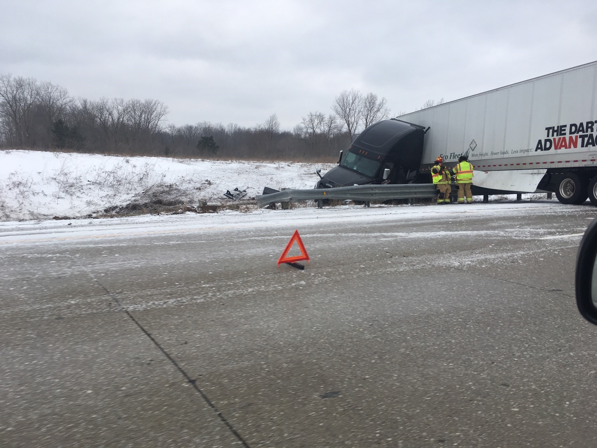A semi truck on US-131 that had jackknifed near the business loop exchange in northern Kalamazoo County. (WWMT/Mike Krafcik)