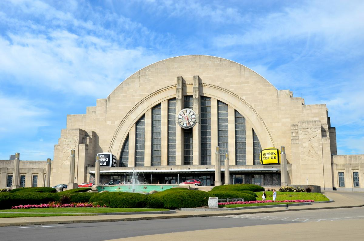 Union Terminal / Movie: A Kind Of Murder / Famous Actors: Patrick Wilson, Jessica Biel, and Haley Bennett / Year Released: 2016 / Image: Leah Zipperstein, Cincinnati Refined // Published: 1.9.18