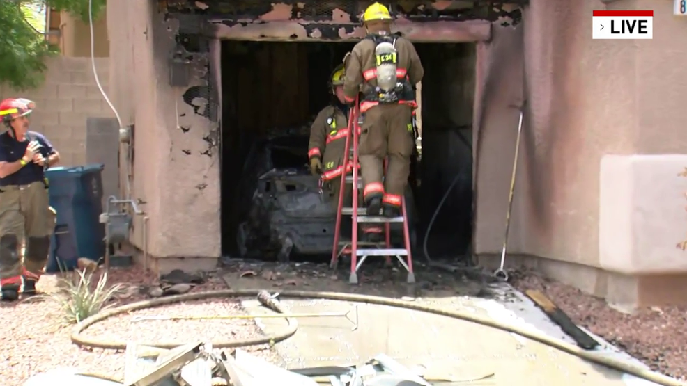 Fire guts garage at southwest Las Vegas valley home