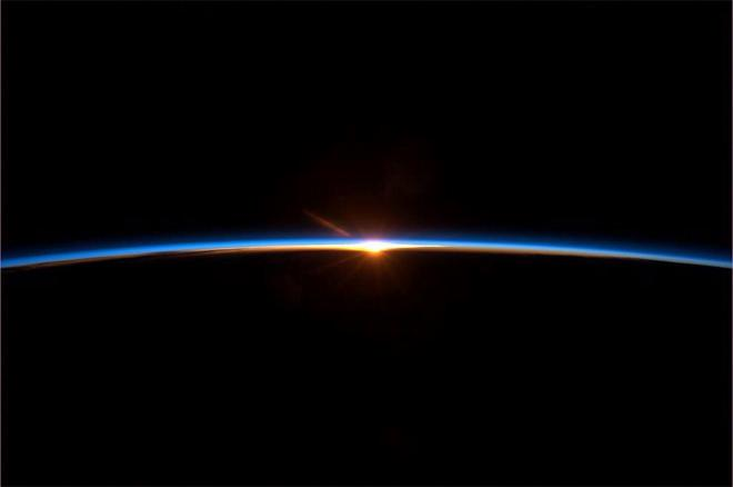 Spaceflight finale: To some this may look like a sunset. But it's a new dawn.  (Photo & Caption: Col. Chris Hadfield, NASA)