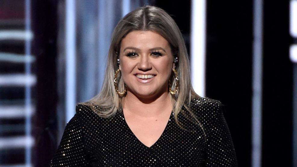 Kelly Clarkson to perform in Fresno | KMPH