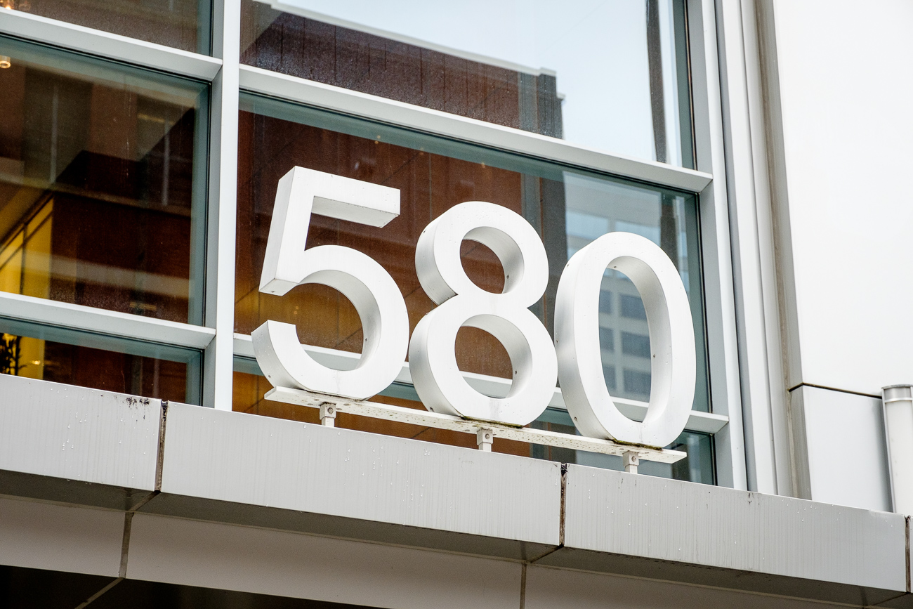"Located at 580 Walnut street in the heart of Downtown, the aptly named AT580 building is the perfect place for those who want a ""live, work, and play"" atmosphere. The multi-use property features modern apartments, restaurants, and office space. / Image: Daniel Smyth / Published: 3.27.17"