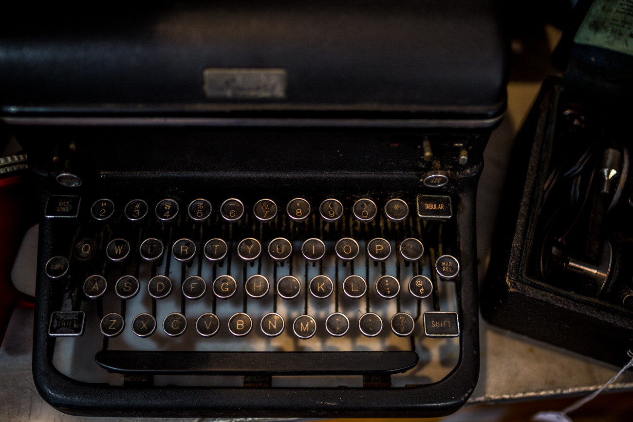 Who doesn't love a great vintage typewriter? / Image: Catherine Viox{ }// Published: 11.9.19