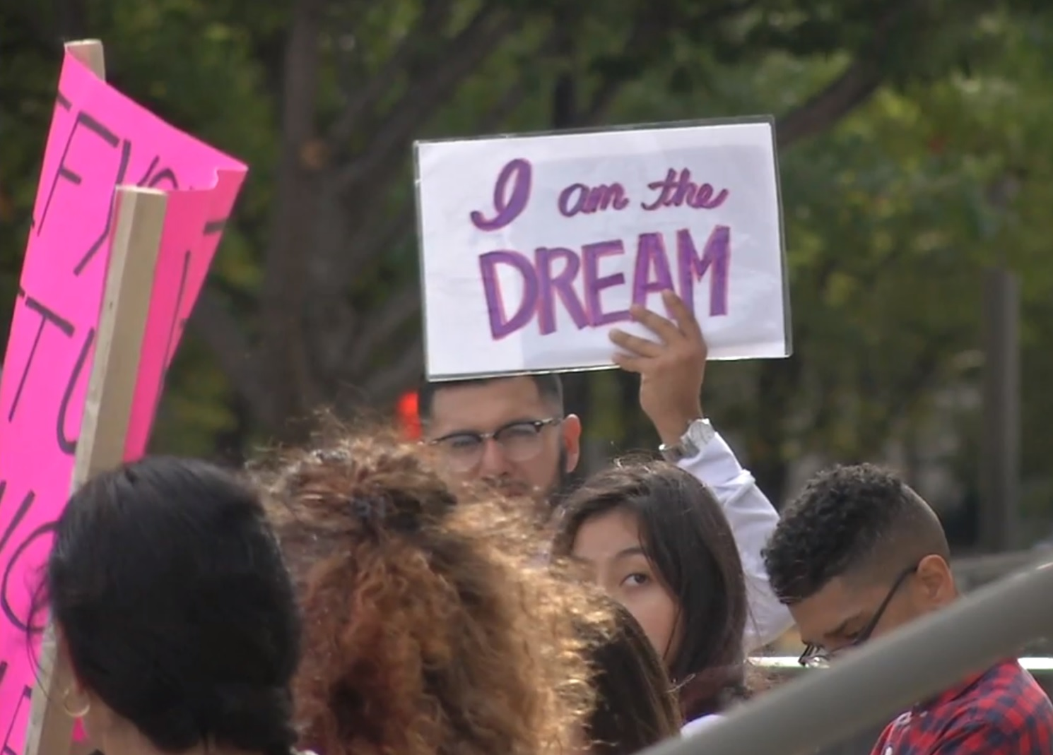 Activists rally in Nashville, Tennessee to defend the DACA program and dreamers. (Image: WZTV)<p></p>
